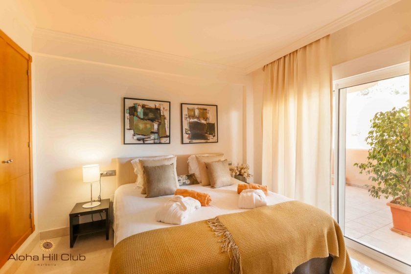 Apt1-Main bedroom