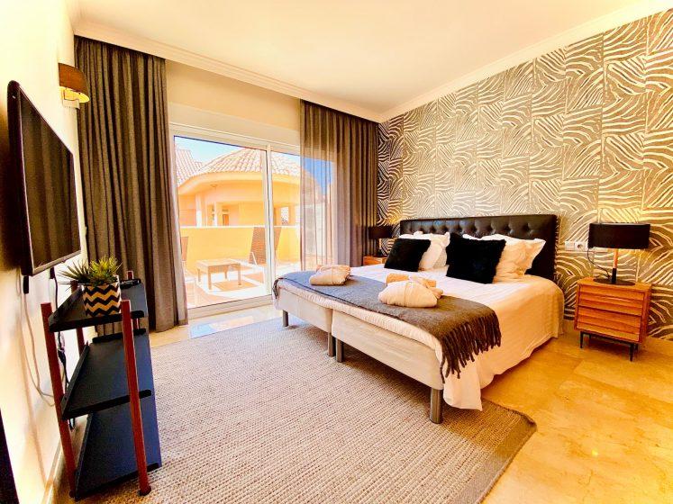 aloha hill club bedroom